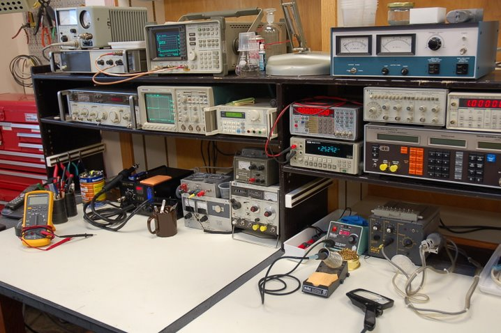 Diy Electronics Repair Workbench : Electronics workbench